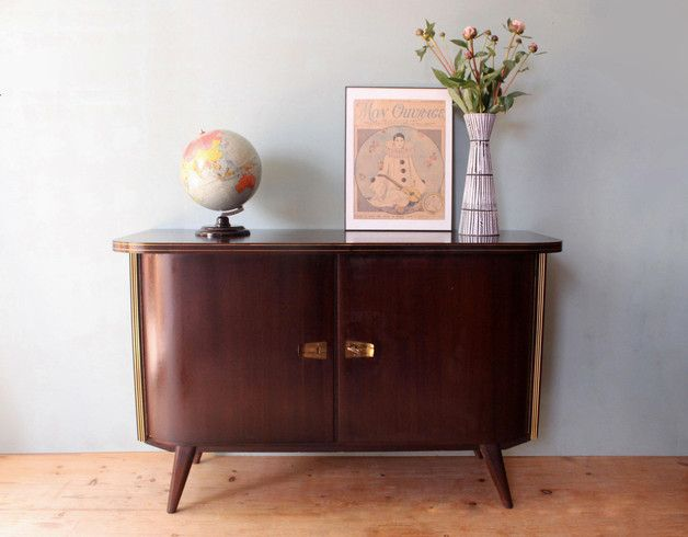 vintage kommode aus den 50ern vintage sideboard retro design 50s by mill vintage via dawanda. Black Bedroom Furniture Sets. Home Design Ideas