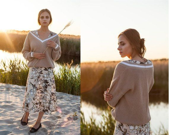 Chunky knit off shoulder oversized sweater, beige v neck slouchy sweatshirt, knitted jumper top, summer autumn boho clothing raglan pullover #chunkyknitjumper