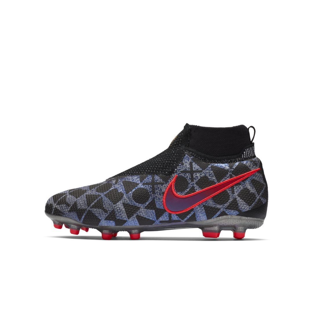 sports shoes 3eb4a 8cf20 Nike Jr. EA Sports x Phantom Vision Elite Dynamic Fit MG Big Kids  Multi-Ground Soccer Cleat Size 5Y (White)
