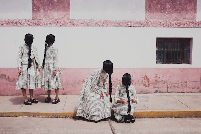 """Artículo 6, da série Artículo 6: Narratives of Gender, Strength and Politics,"" de Lucia Cuba, 2012-2014"