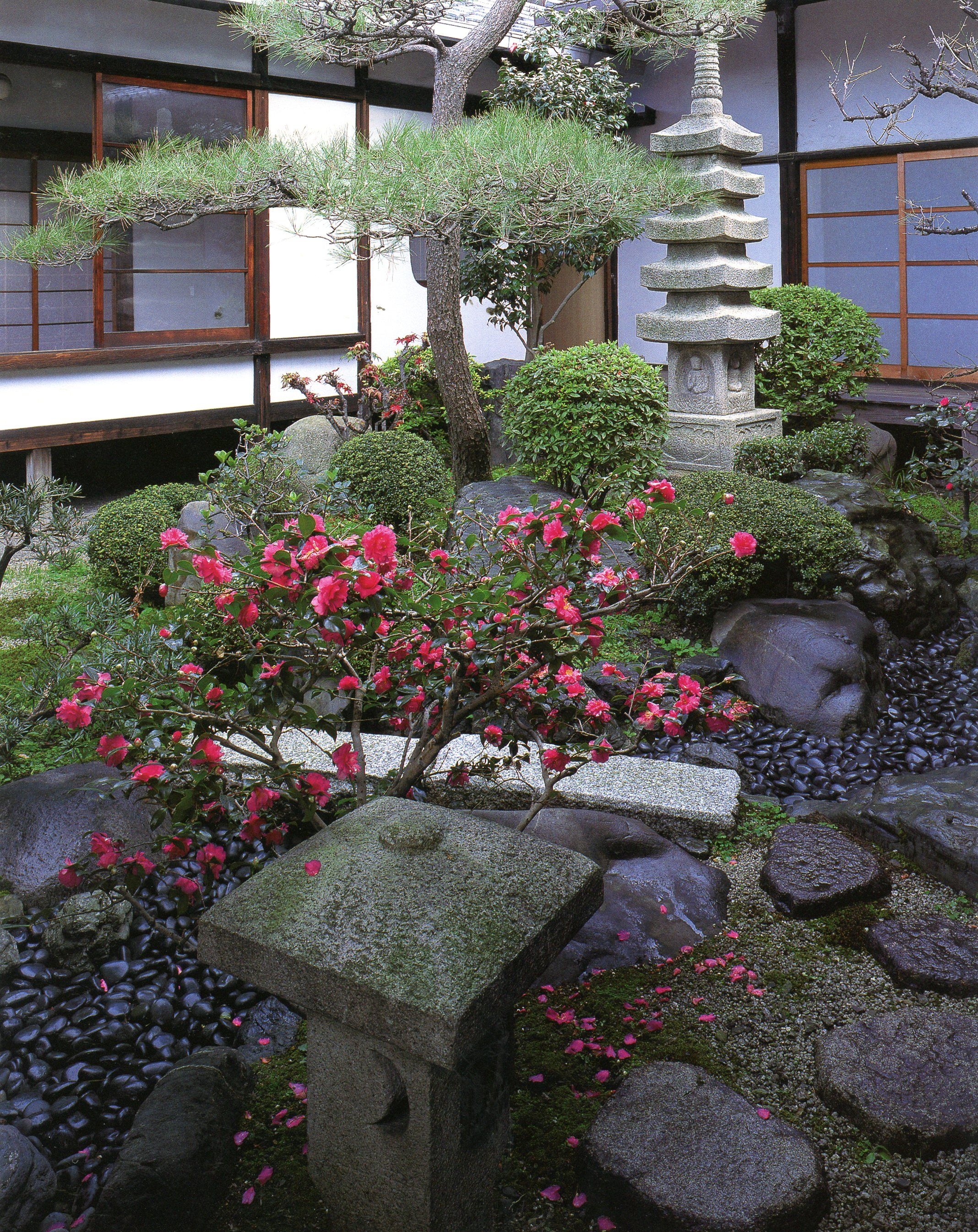 f33d68522ad9680c2fbd8856c61a2842 - Landscapes For Small Spaces Japanese Courtyard Gardens