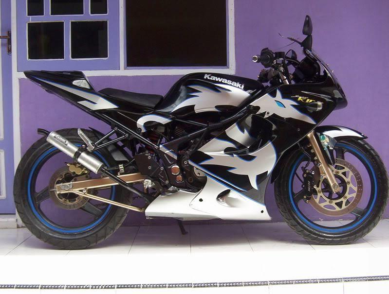 Modif Kawasaki Ninja 150 RR 2 tak hitam putih. Modif Kawasaki Ninja 150 RR 2 tak hitam putih   Modifikasi Motor