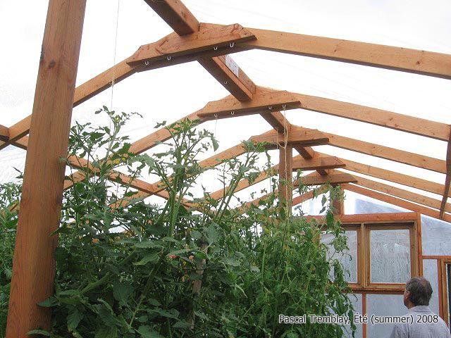 Serre fabrication maison structure de la serre en bois for Serre de jardin maison
