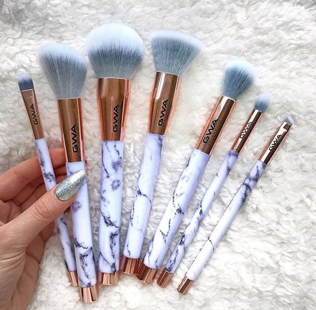 Photo of Marble / Rose Gold makeup brush