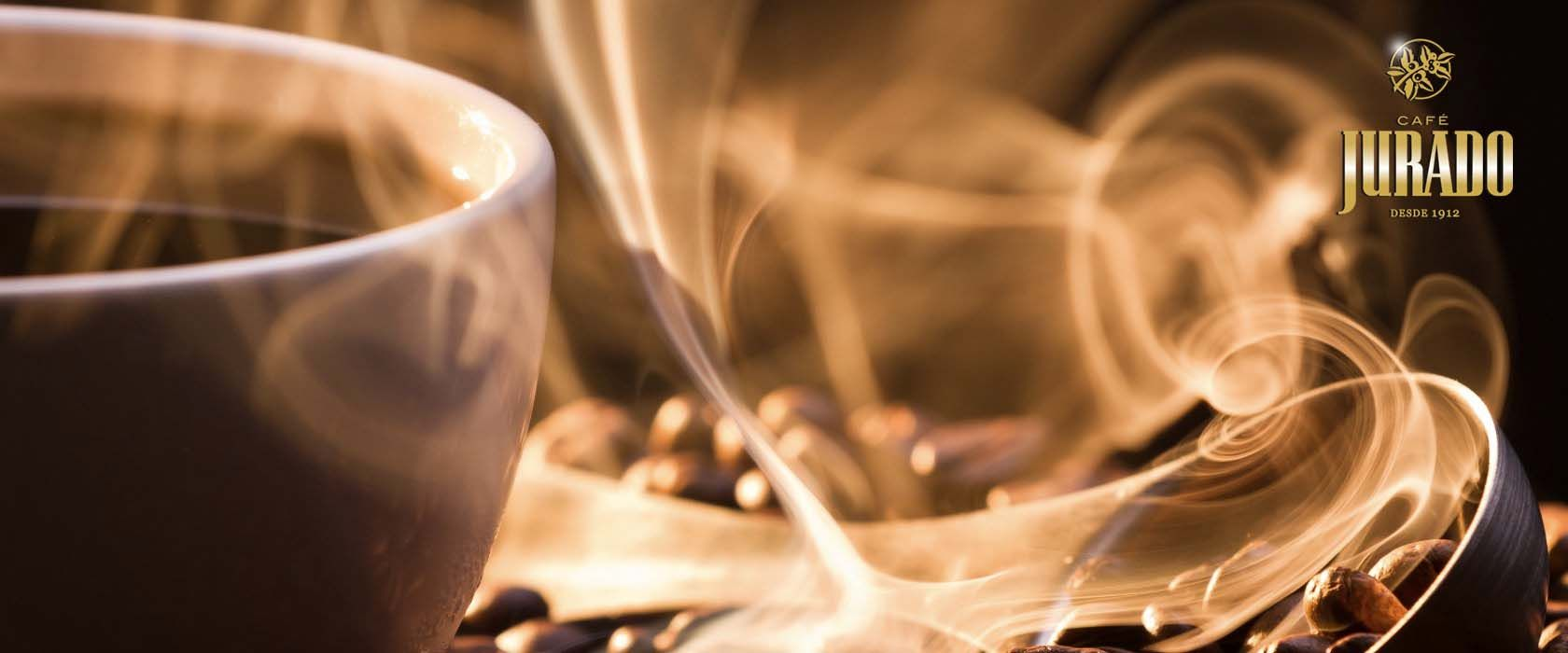 El aroma a buen café es algo que nos atrae a muchos, mañana os contamos las diferencias entre el aroma a robusta y arábica, estar atentos a nuestras publicaciones, a todos los amantes del Café Jurado seguro que os gusta.