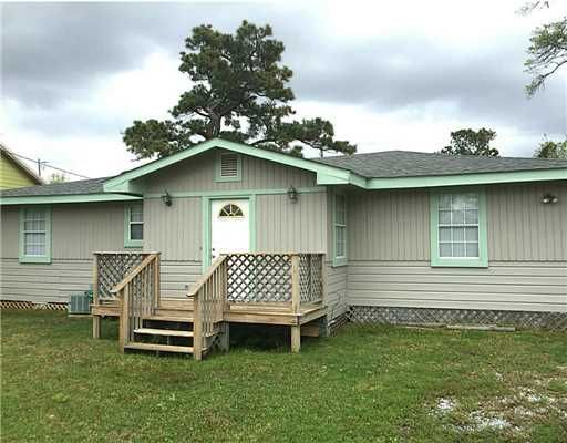 FEATURED LISTING! $99,000 Single Family 3 Beds, 2 Baths, 1,442 Sqr Ft, Bay Saint Louis 39520 – This 3 bedroom 2 bath home is move in ready and a perfect starter home. All appliances remain wi…