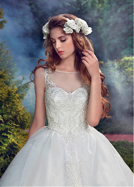 Buy discount Amazing Tulle & Organza Bateau Neckline Ball Gown Wedding Dresses With Beaded Lace Appliques at Dressilyme.com