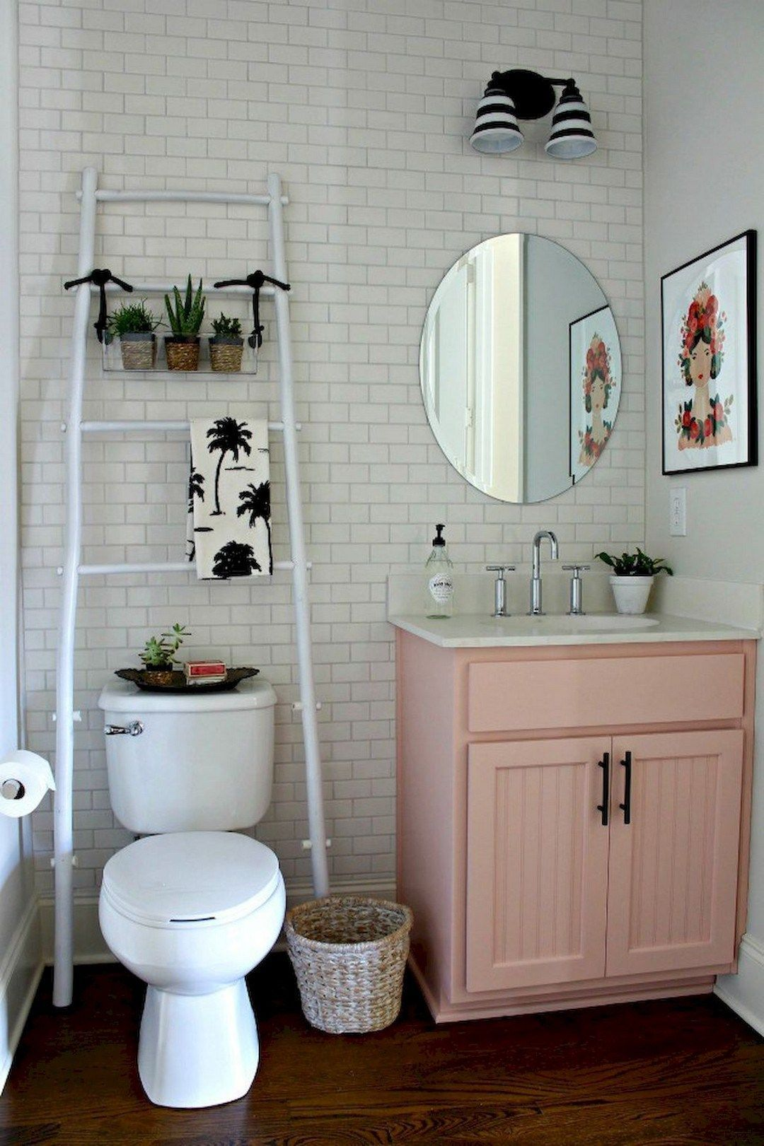 Cozy Small Apartment Decorating Ideas On A Budget 34 Small Bathroom Decor Small Apartment Decorating Cute Bathroom Ideas