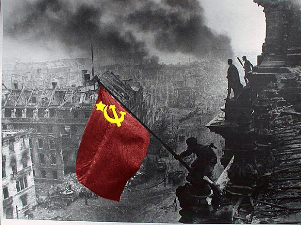 Дан победе над фашизмом обележен у Србиjи - http://www.srbijadanas.net/dan-pobede-nad-fasizmom-obelezen-u-srbiji/