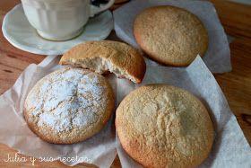 Los mostachones son unos dulces típicos de Utrera (Sevilla). Son unos bizcochos aplastados que se cocinan encima de un papel de e...