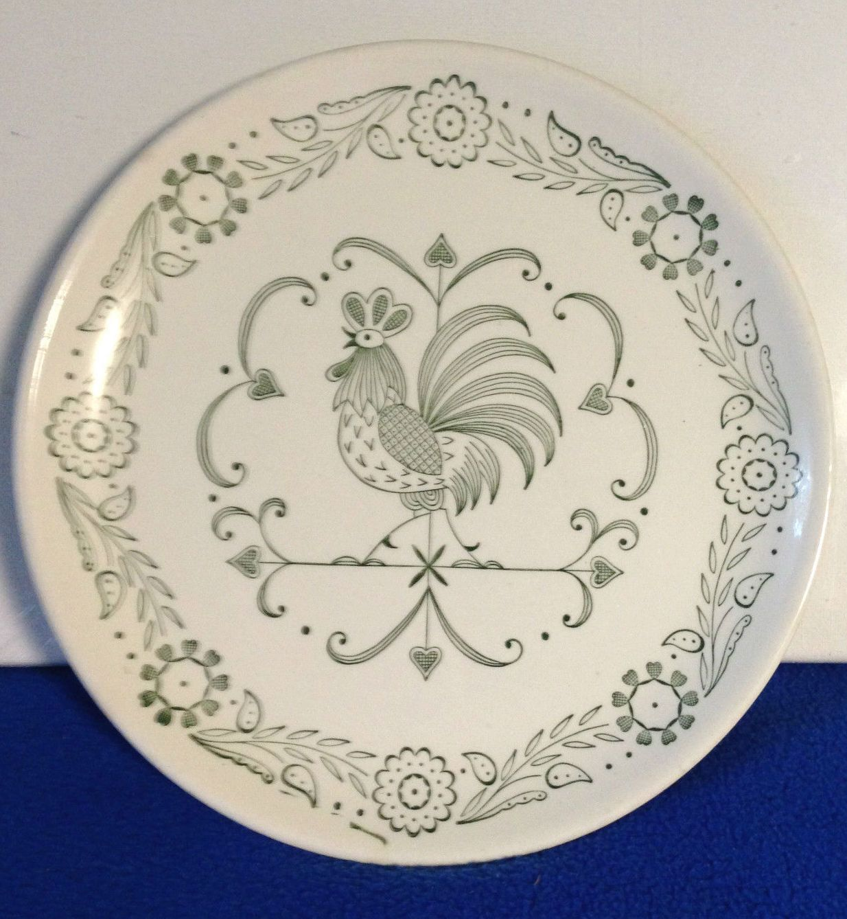 Vintage 1950s Scio Provincial Green Rooster Weathervane 9 1/4\  Dinner Plate Tableware Decorative Plate Ceramic Pottery by yourmamashouse on Etsy & Mid-Century 1950s Scio Provincial Green Rooster Weathervane 9 1/4 ...