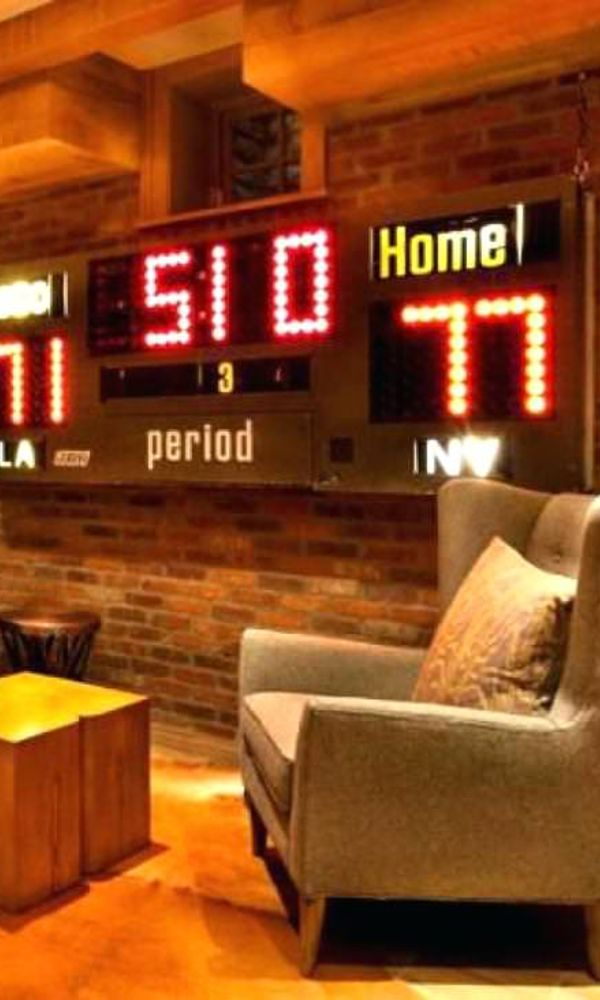 46 Sports Man Caves to be Boss at Game Night #garagemancaves