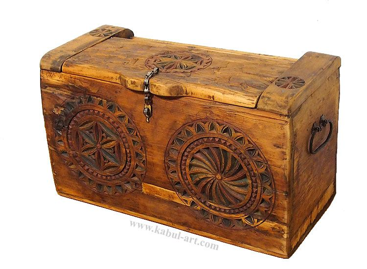Very rarely and unique antiquity nuristan Dowry Chest from Nuristan  Afghanistan - Very Rarely And Unique Antiquity Nuristan Dowry Chest From Nuristan