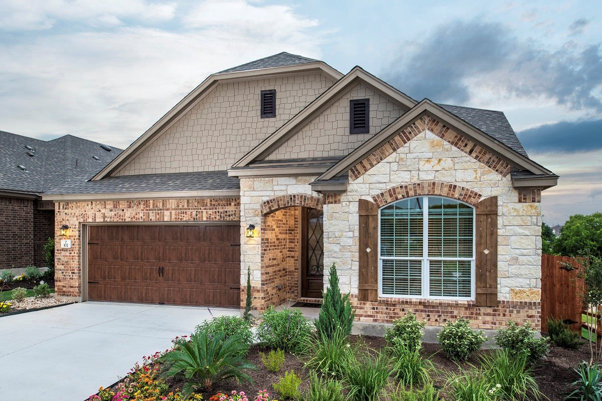 Gorgeous Brick And Stone A 2655 Model From The Edgewaters In Pflugerville Simple House Plans House Plans Modern House Plans