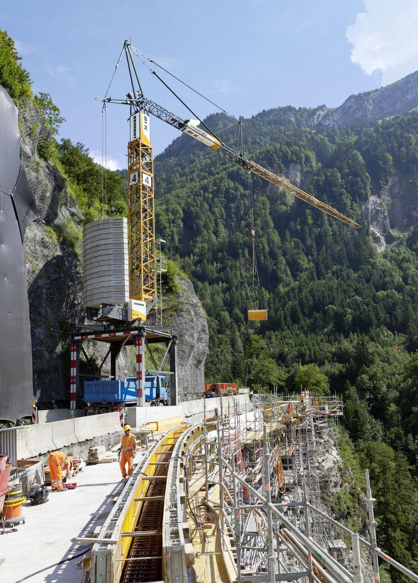 Liebherr fast-erecting crane 81 K - Muotathal Switzerland