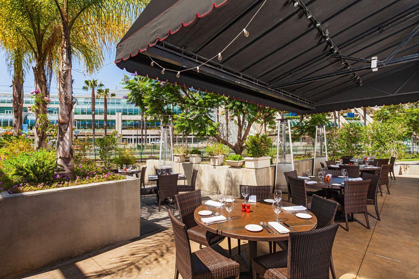 Restaurant Patios In San Diego   Design   Lou U0026 Mickeyu0027s At The Gaslamp