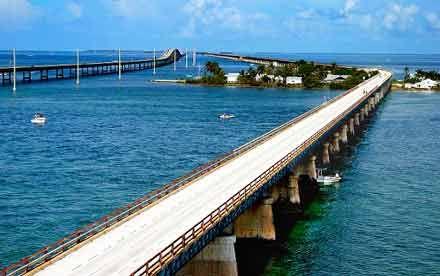 Florida Keys bridge www.holidaygenie.com
