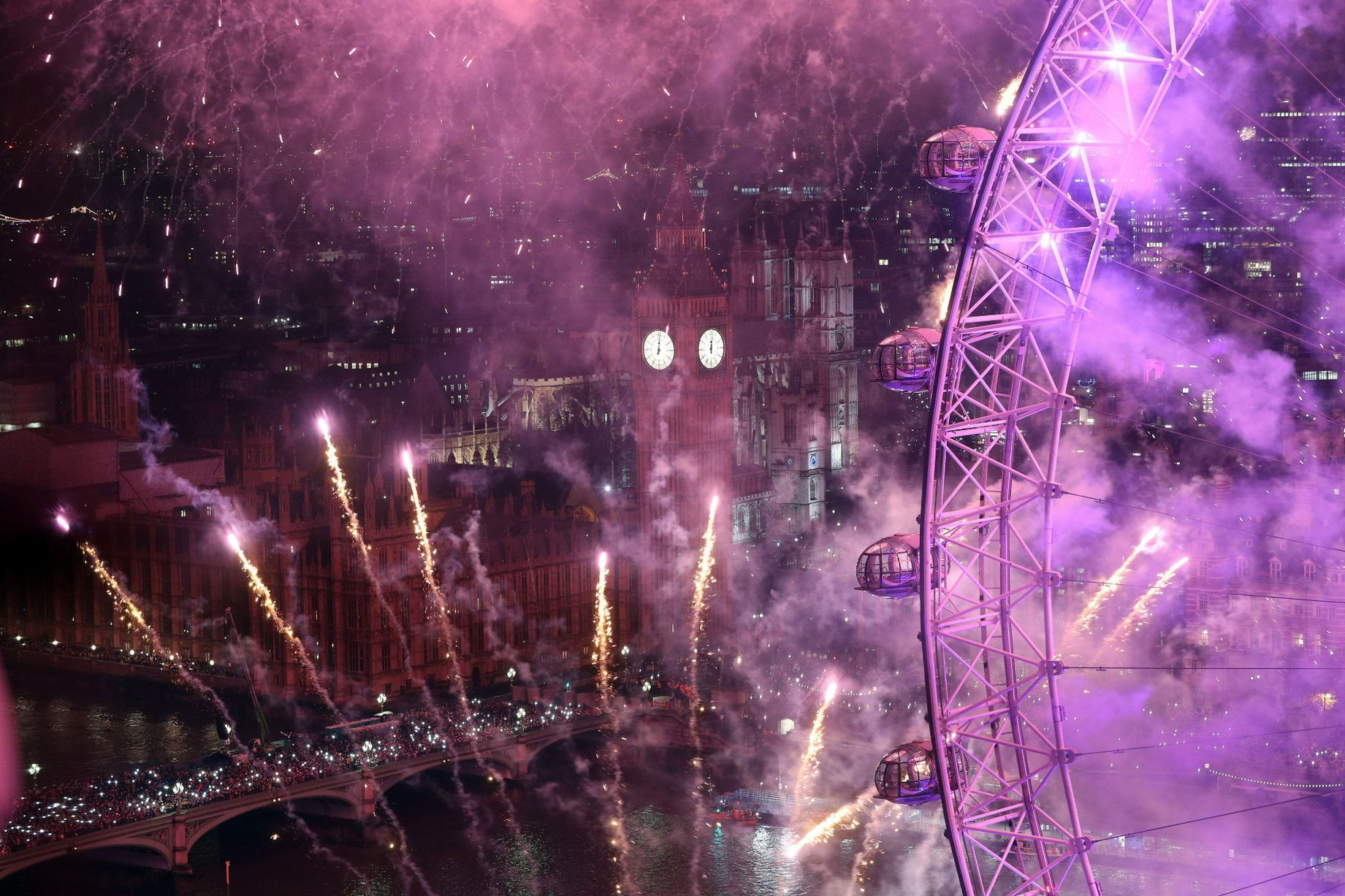New Years Eve Celebrations 2016 London fireworks