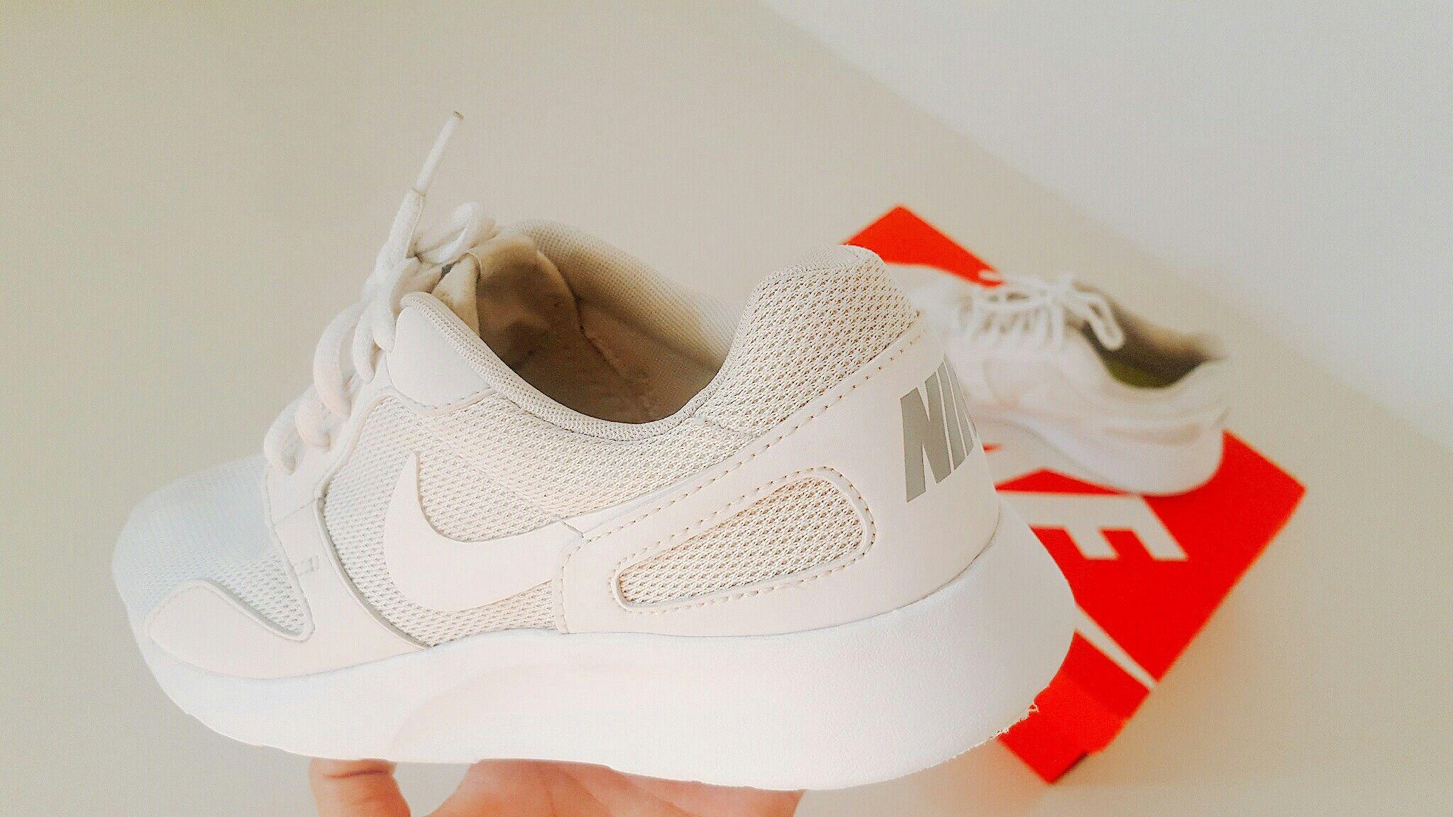 Nike Kaishi (Triple White)