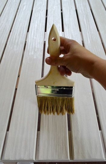 protecting outdoor furniture. Protecting Outdoor Furniture With Varnish And Teak Oil