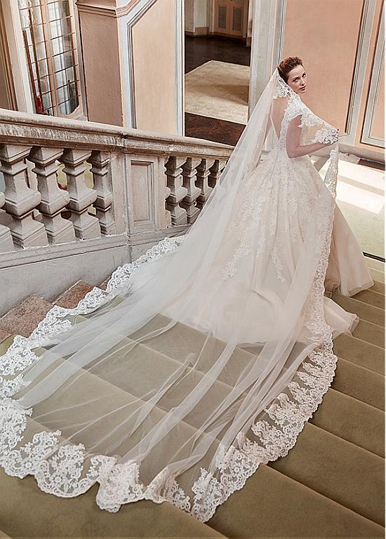 comprar Fabulosa de tul y satén con cuello en V una línea de vestidos de novia con apliques de encaje de descuento en Dressilyme.com