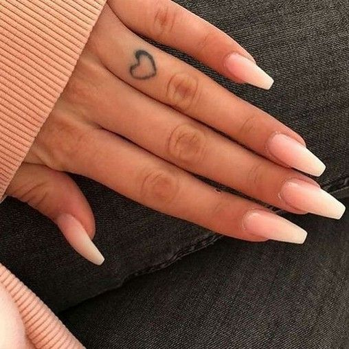27 Simple Acrylic Nail Design Ideas For Short Nails For Summer 2019 Armaweb07 Com Natural Fake Nails Natural Nail Designs Baby Boomers Nails