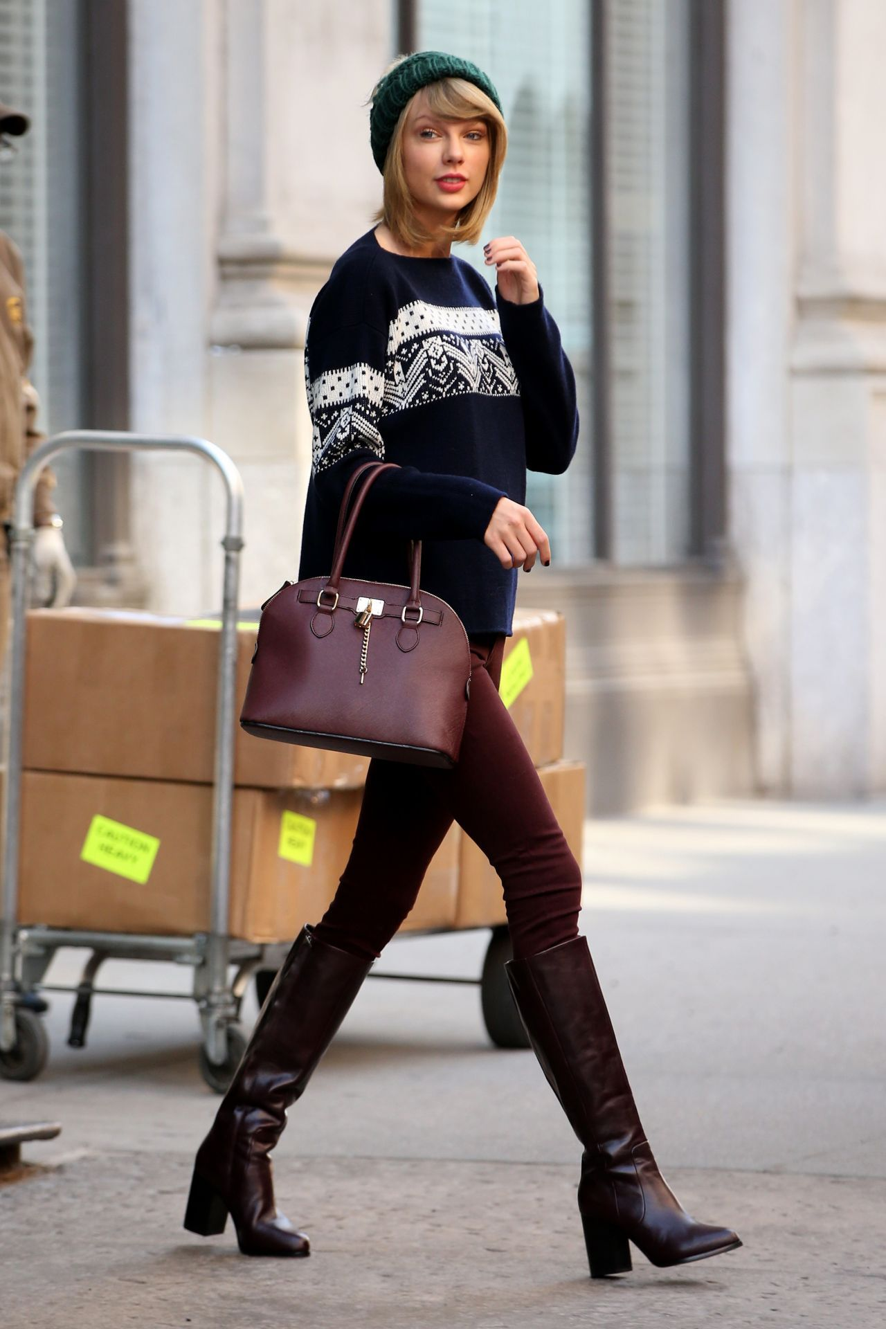 Taylor Swift Latest Photos - CelebMafia | Taylor swift ...