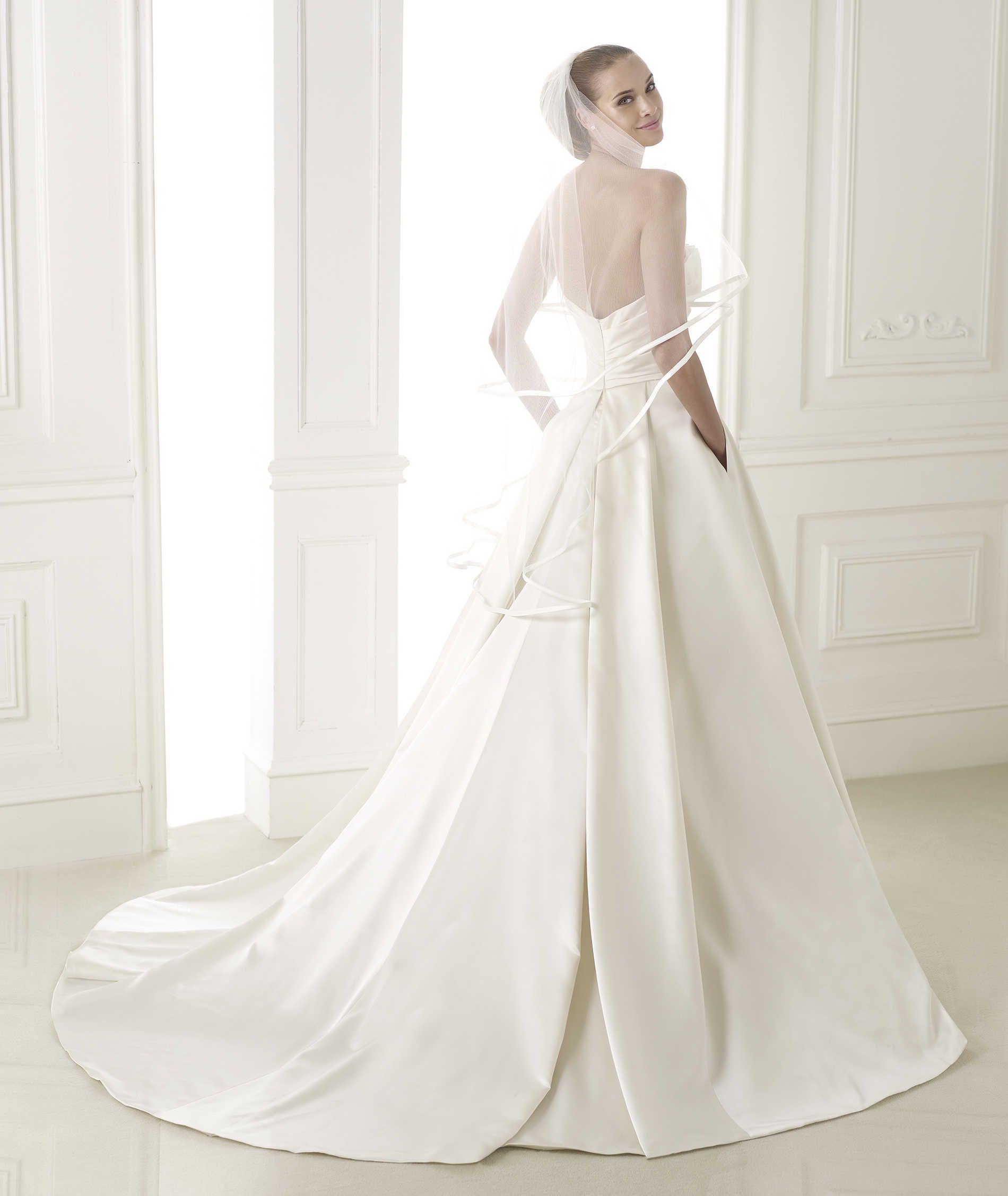 BERNADETTE » Wedding Dresses » 2015 Glamour Collection » Pronovias ...