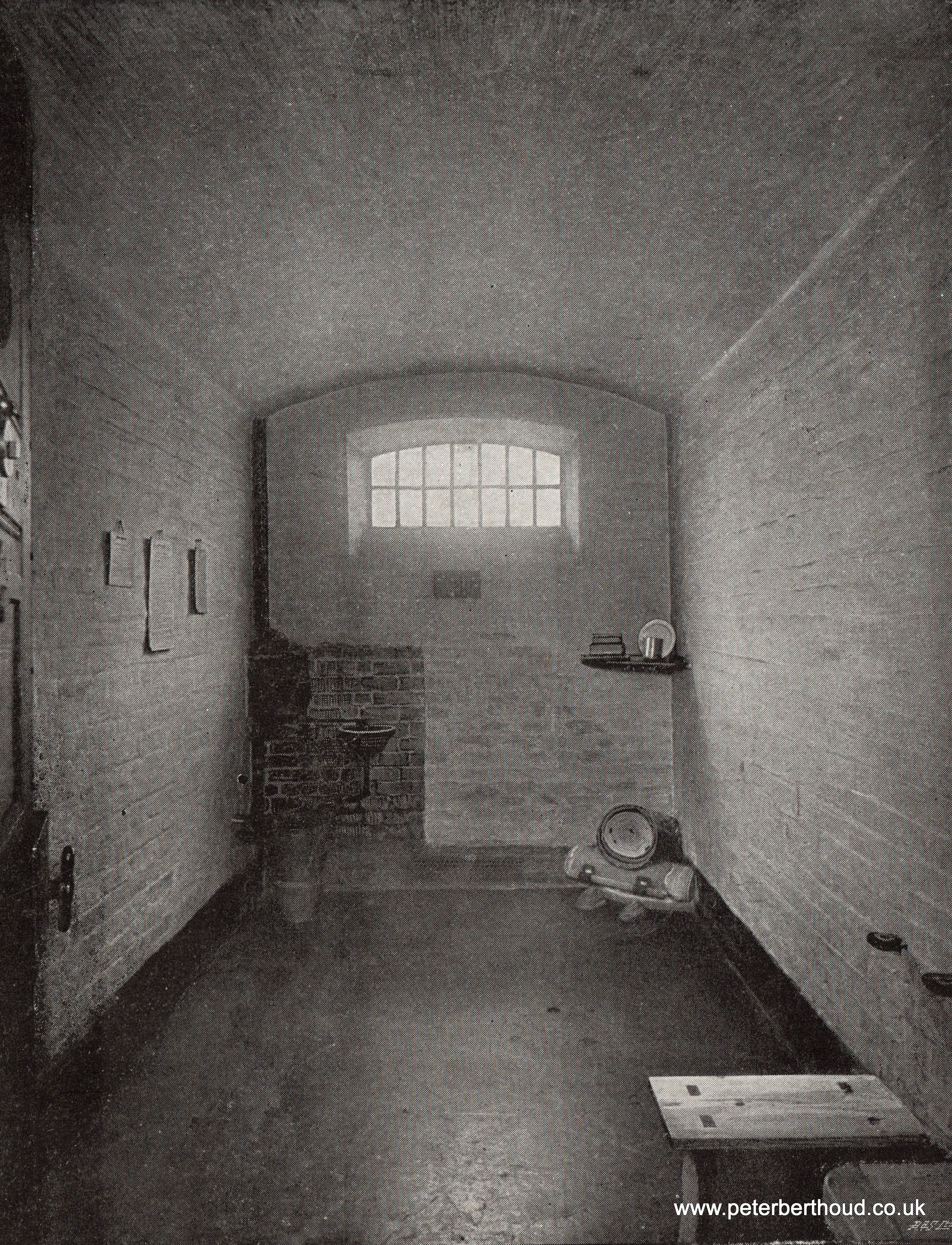 victorian prison cell in newgate 1890 s we can see the water tank