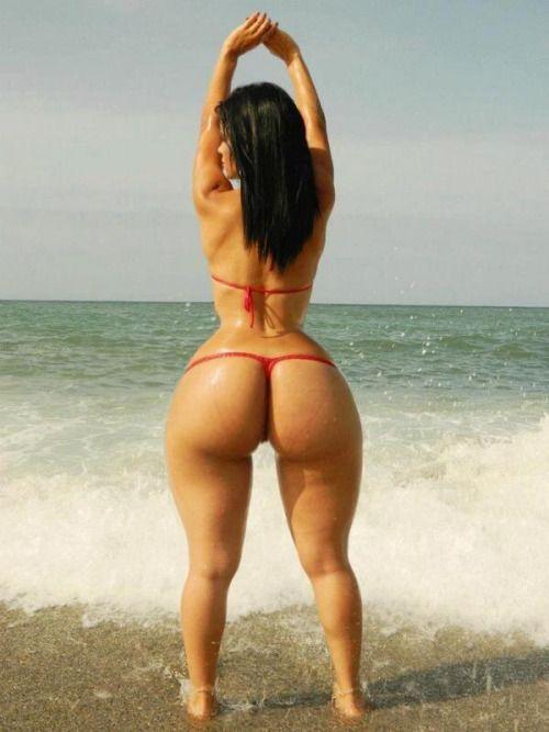 Sexy mature black booty
