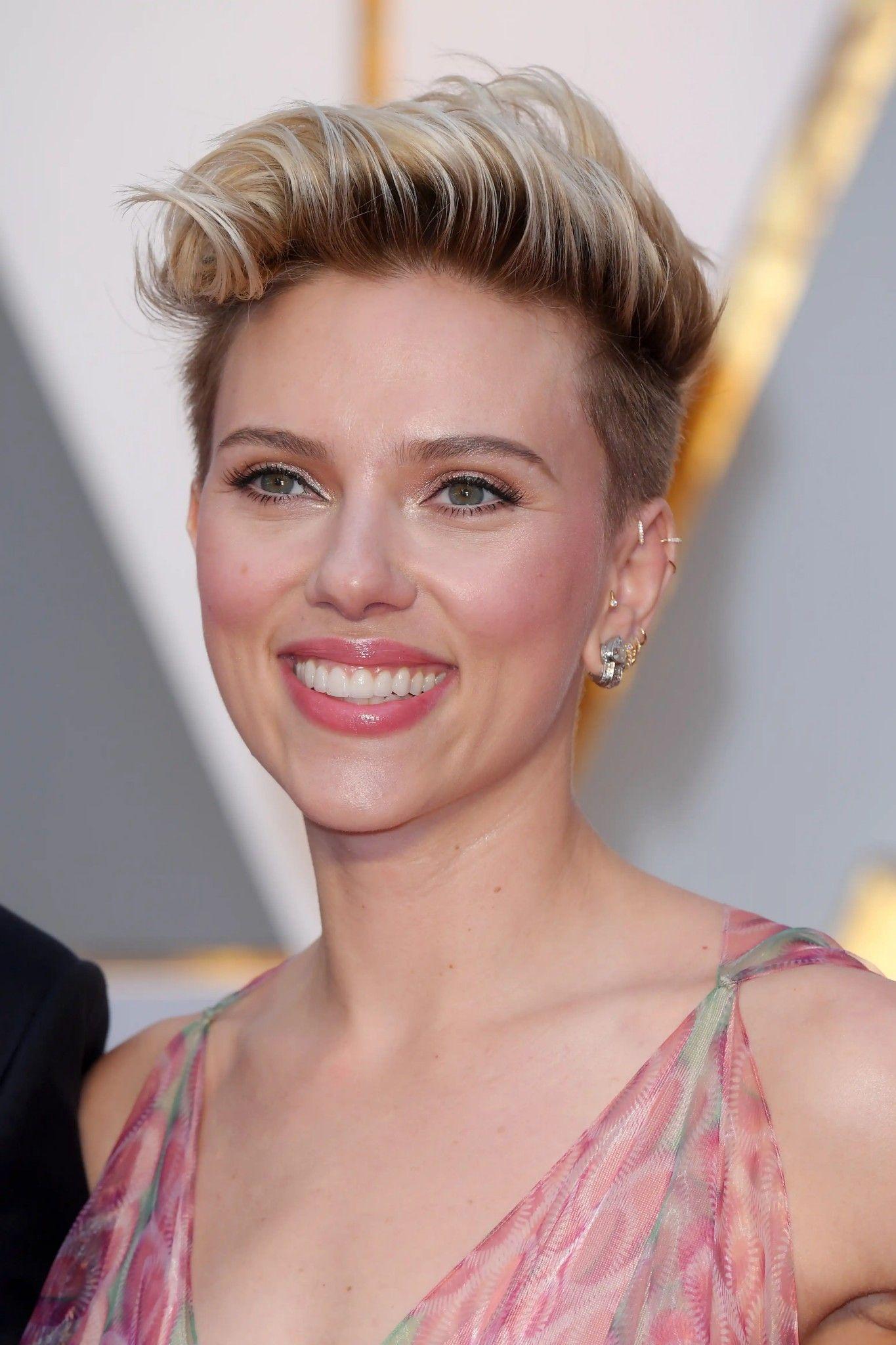 Scarlett Johansson attends the 89th Annual Academy Awards