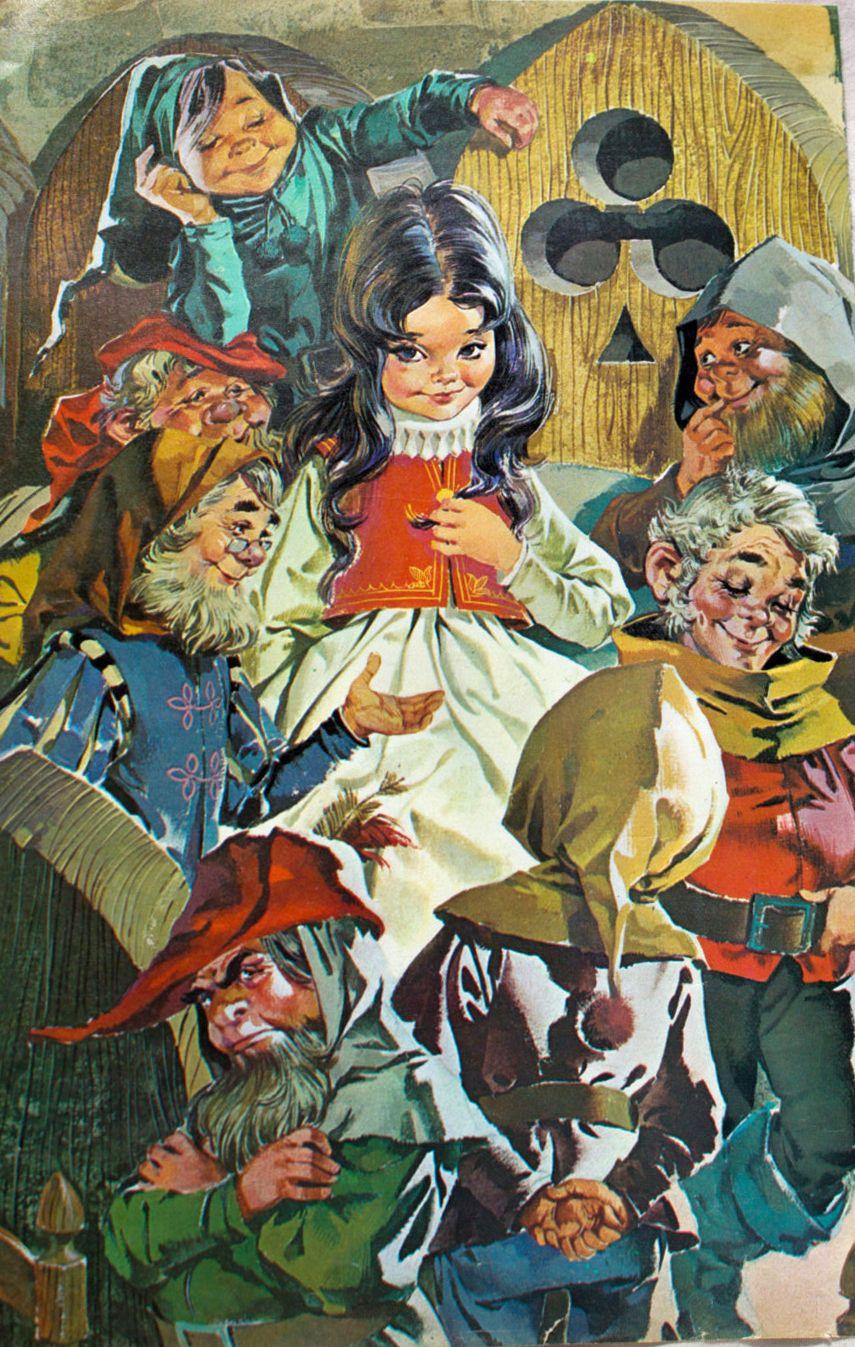 Vintage Snow White And The Seven Dwarfs Illustration