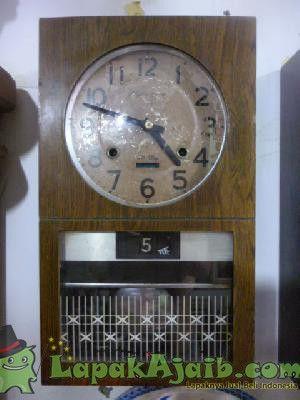 Jam Dinding Antik RHYTHM GLORIA Lubang Dua # 3