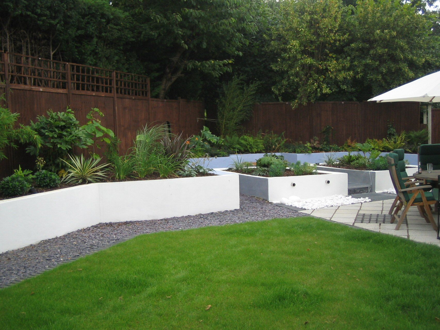 contemporary large garden designs | linsey evans garden design