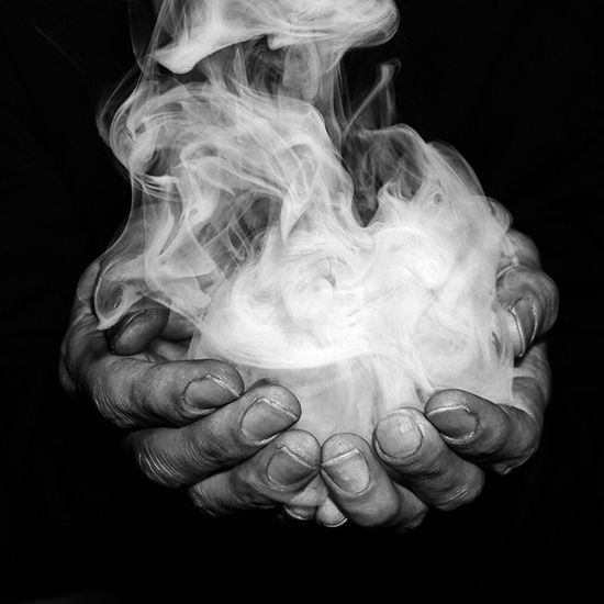 Mysterious 手 Smoke Tattoo Art Magic Hands