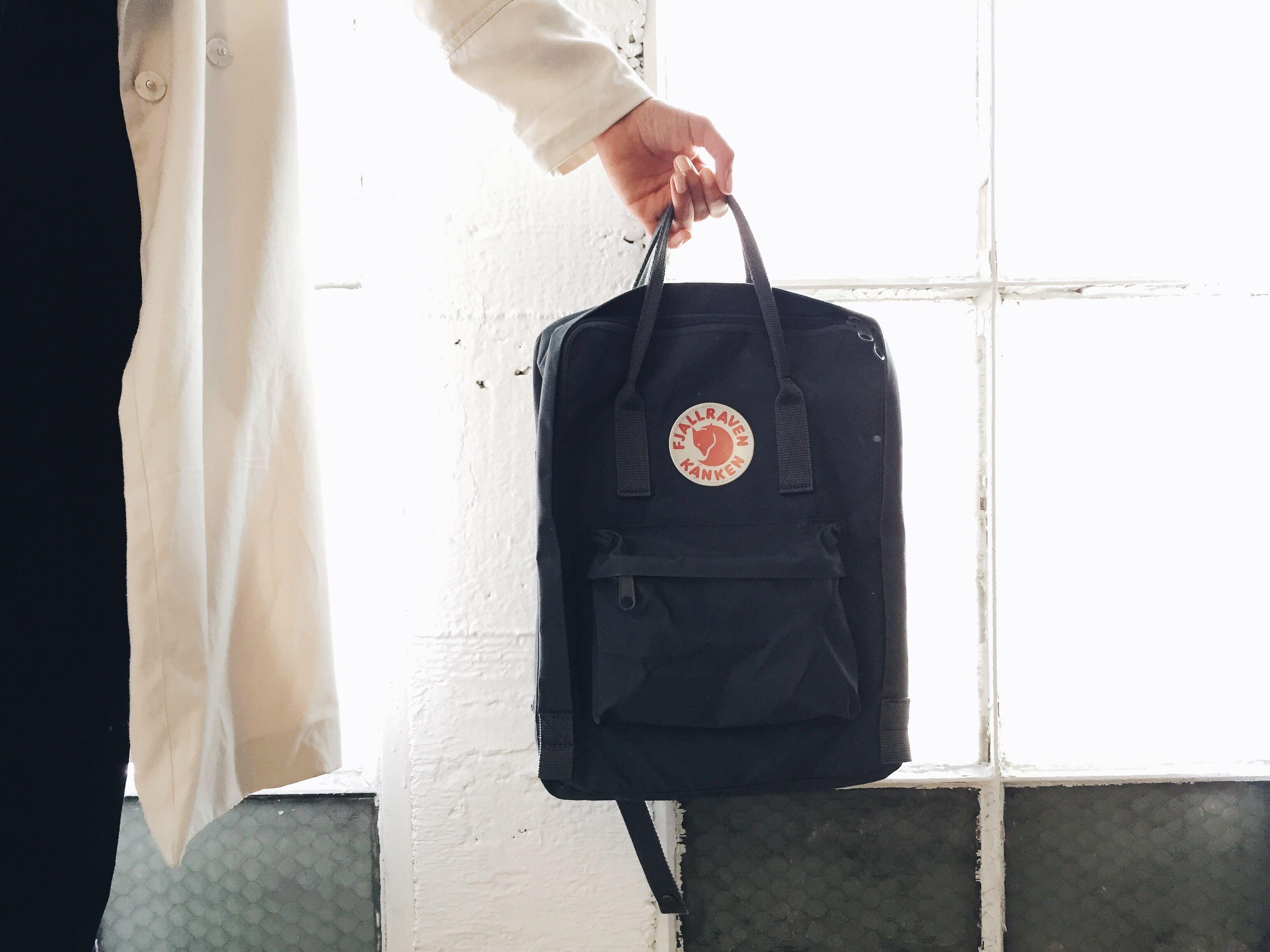 Fjallraven Kanken Classic Bag Review - Graphite  26eb5de38b57d