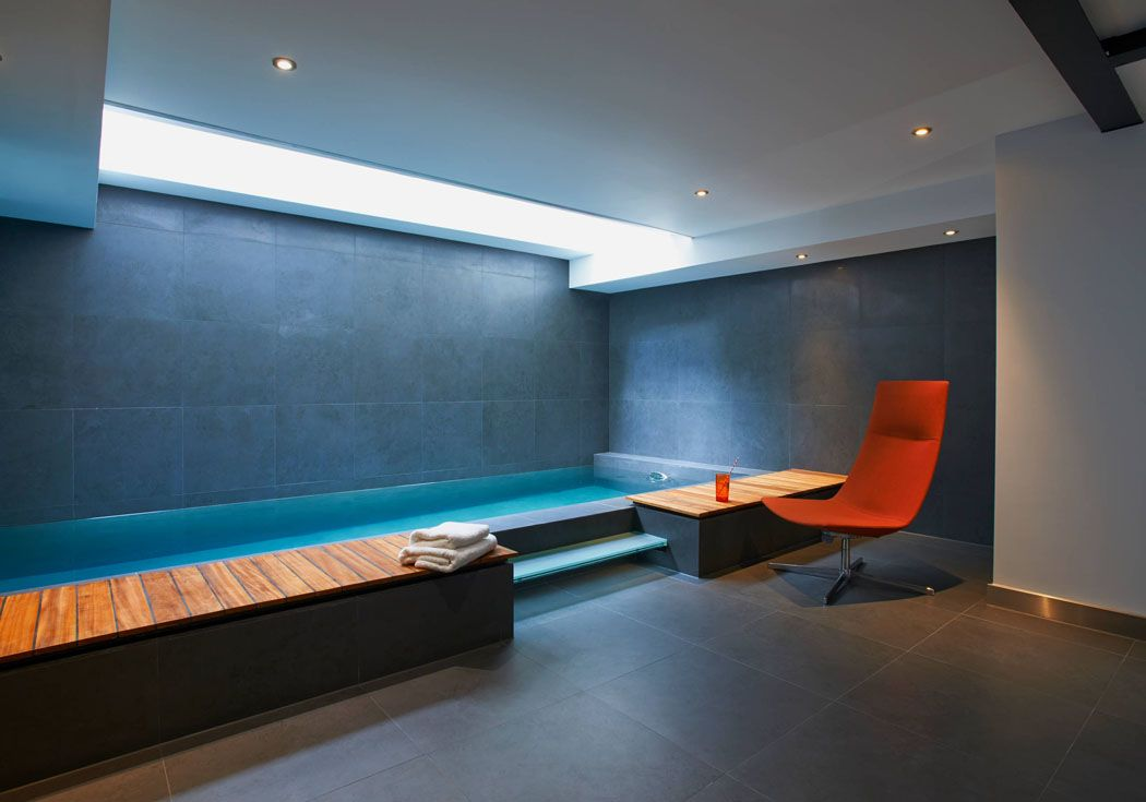 maison de ville prestigieuse avec piscine situ e au c ur de londres centre spa salles de. Black Bedroom Furniture Sets. Home Design Ideas