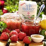 Jordbær - rabarbersyltetøj med ingefær