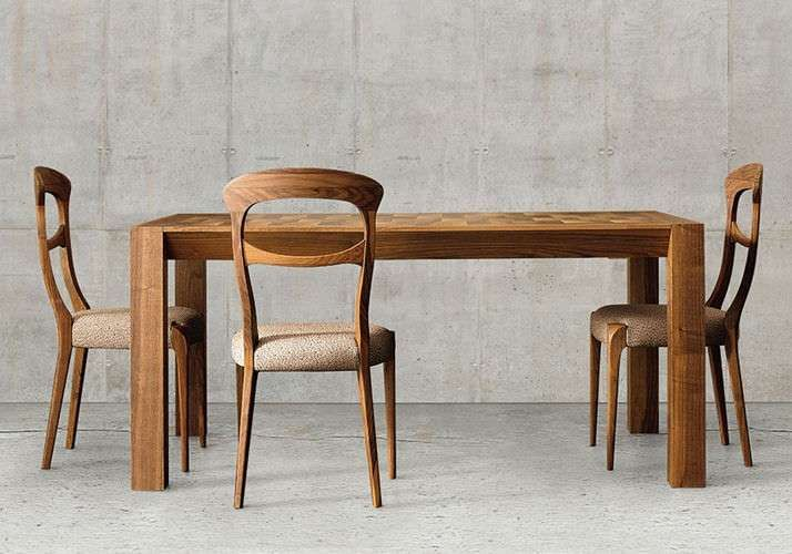 Tavoli in legno massello mobili dal design semplice