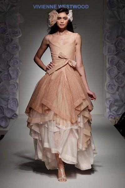 Google Image Result For Http 1 Bp Blo Y5cn Bj3 Le Tsqufmn0gji Aaaaaaaaamw Qjuzfqejlye S1600 Vivienne Westwood Wedding Gowns 2 Jpg