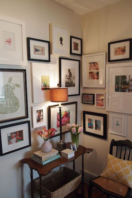 I Never Believe A Mix Of Black White Frames Will Actually Look Ok Houzz Tip Hang Large Groupin Corner Gallery Wall Eclectic Gallery Wall Inspiration Wall