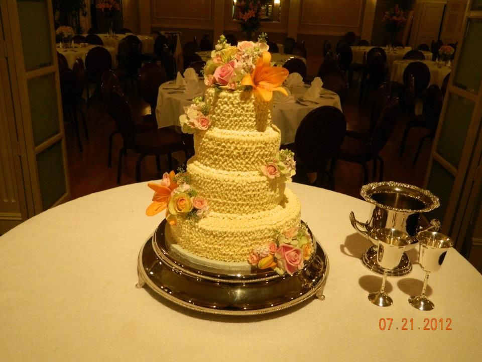 Lots of ruffles by Kayla Knight Cakes!