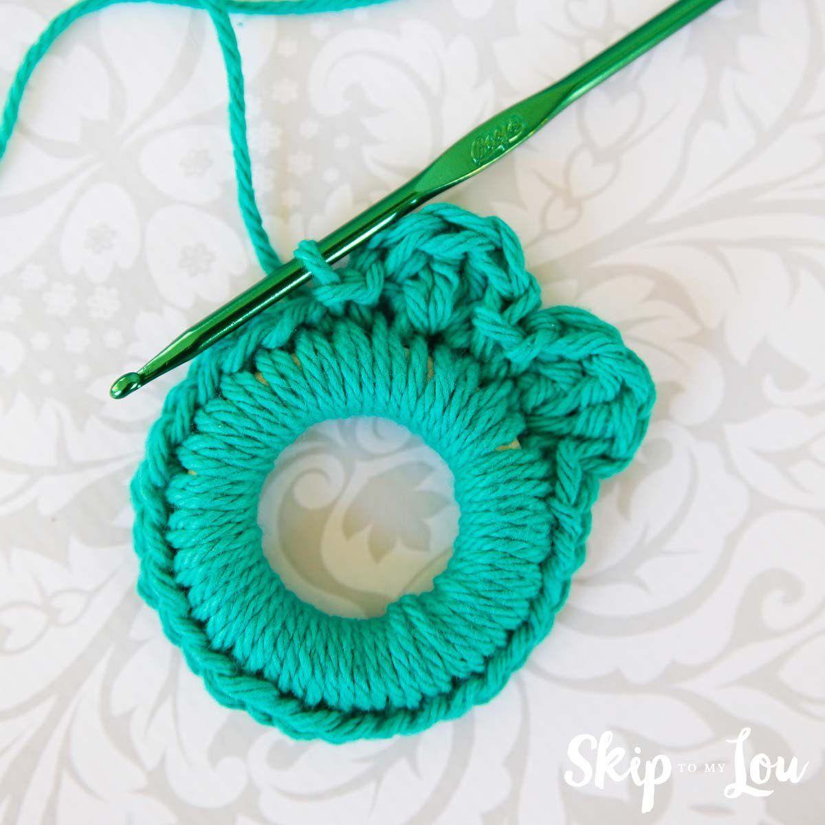 Easy Crochet Wreath Ornament | Skip To My Lou | Christmas ...