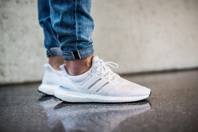 Adidas Ultra Boost White Nice Shoe Nice Colorway But I Dont Have It Mit Bildern Weisse Schuhe Adidas Manner Adidas Sneaker