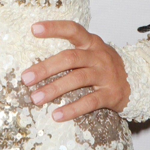 Pin By Chelsea Malmberg On Nails Kardashian Nails Kim Kardashian Hair Kim Kardashian Nails