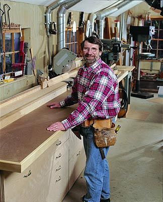 Miter Bench And Storage From New Yankee Workshop Workshop Layout Woodworking Garage Home Workshop