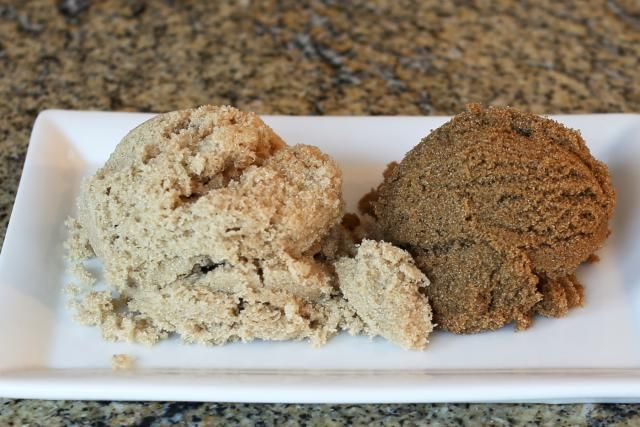 What Is The Difference Between Light Brown And Dark Brown Sugar