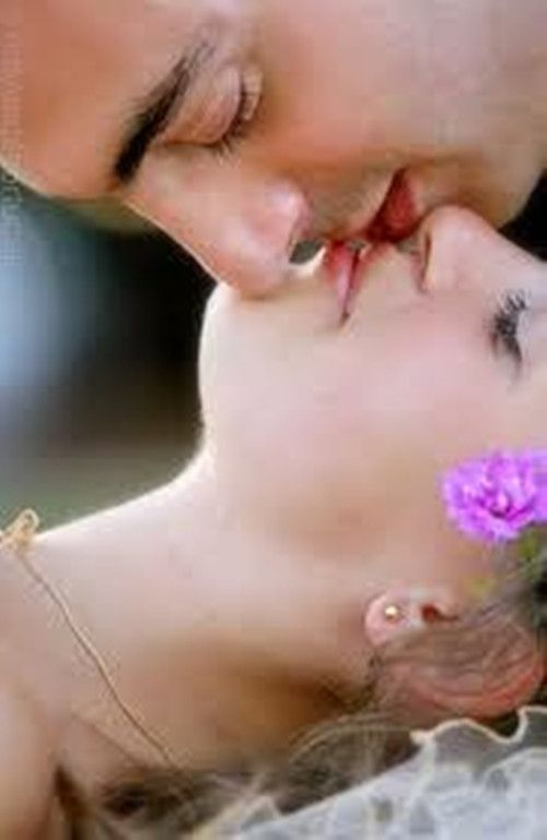 hot older women kissing