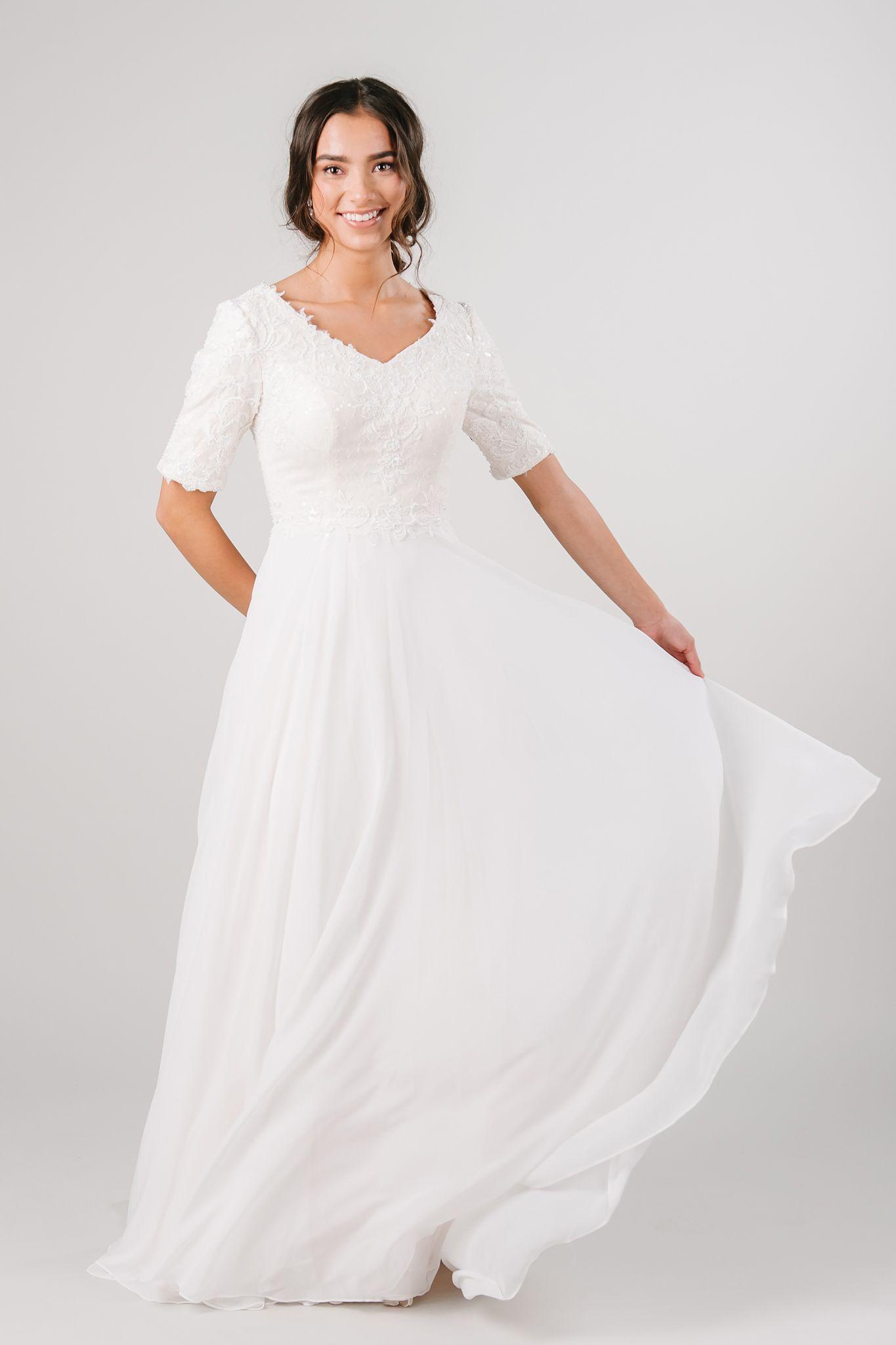 Ferdinand Petite Wedding Dress Modest Lace Wedding Dresses Wedding Dress Styles Chart [ 2048 x 1365 Pixel ]