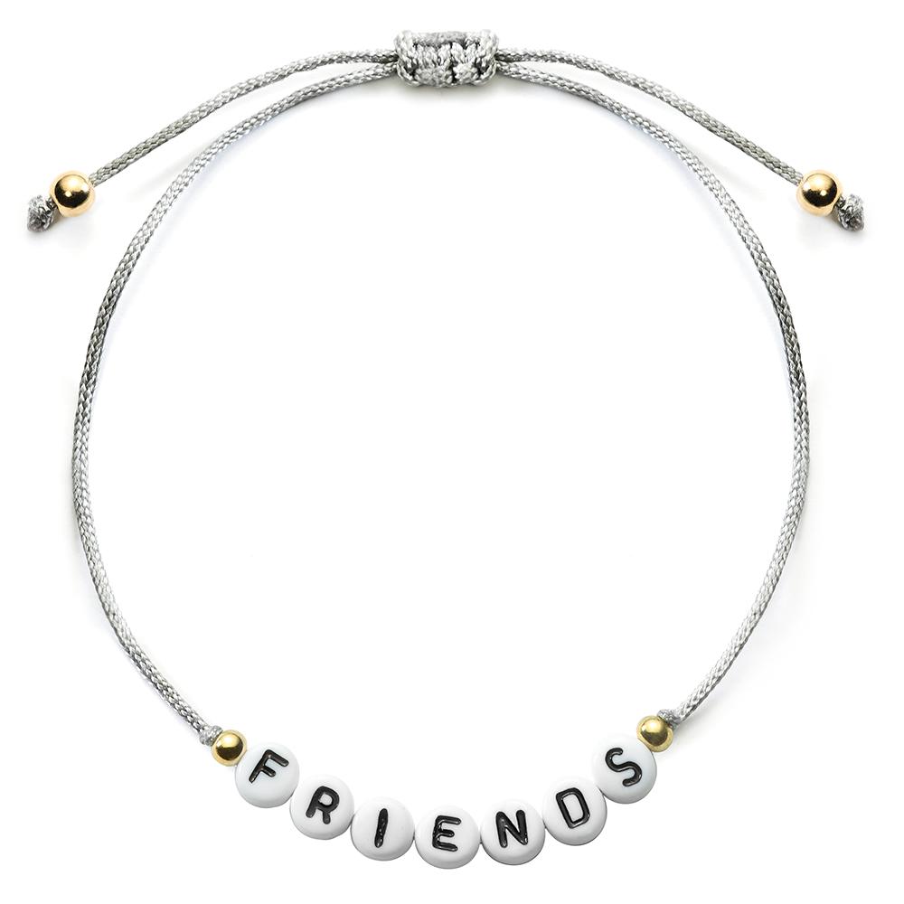 Compre un brazalete con las letras que desea en línea en Schmuckladen.de